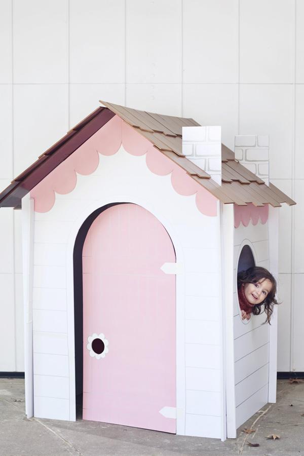 casa de papelao branca