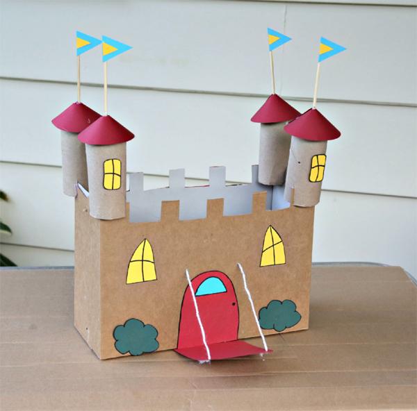 brinquedo reciclado castelo de papelão