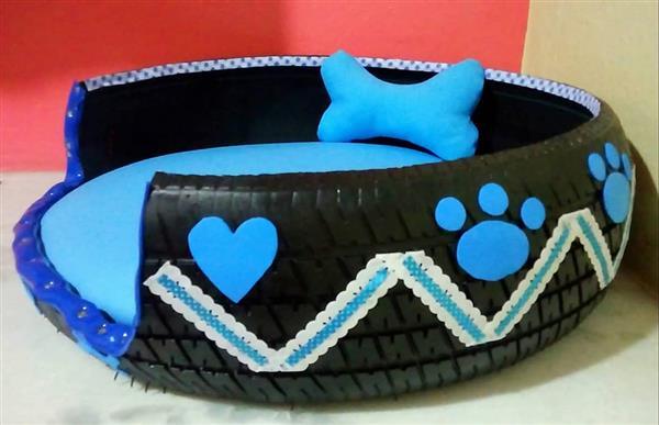 cama para cachorro de pneu