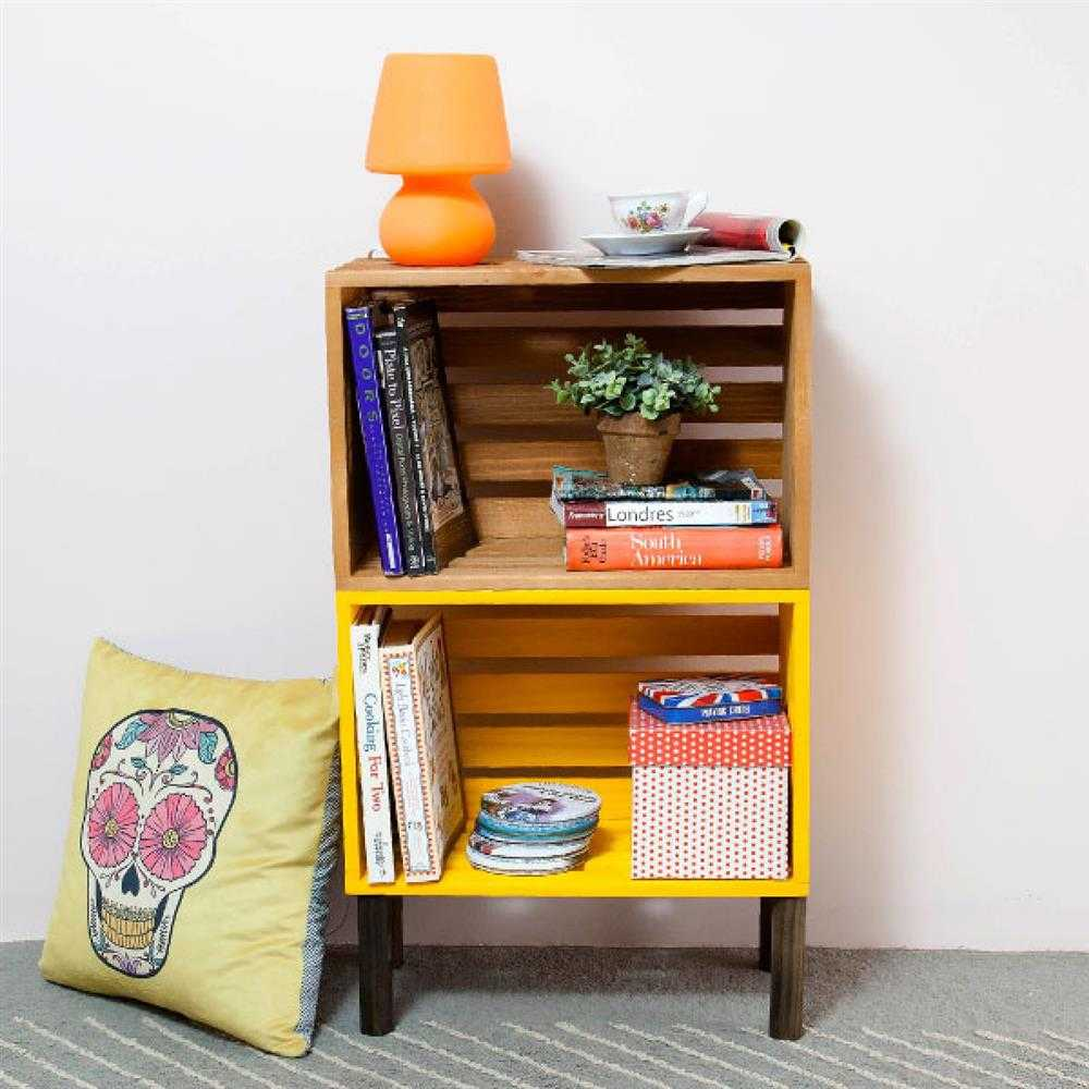 armário de livros em pé