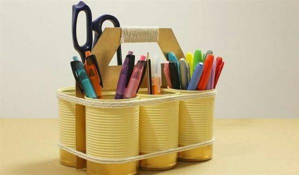 porta caneta com latas